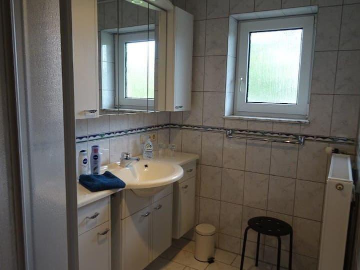 Ferienwohnung Groß, (Blaubeuren), Ferienwohnung, 75 qm, 3 Schlafzimmer, großer Balkon, max. 2-4 Personen