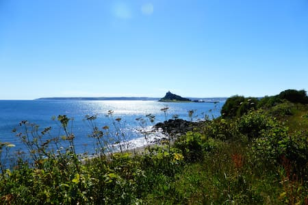 Mill Cottage, Marazion (dog friendly)