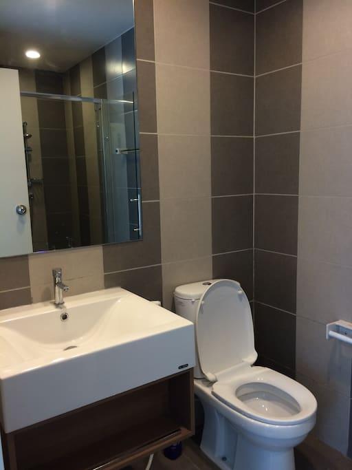 1 ห้องน้ำ (BathRoom)