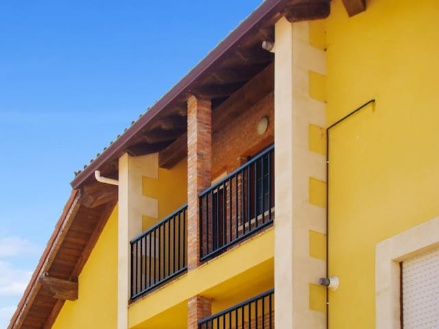 Sea views near Playa de Comillas - Ruiloba - Apartamento