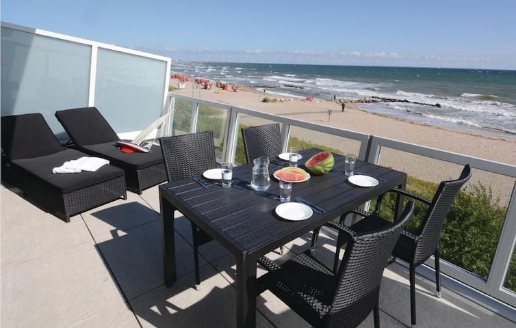 Holiday apartment with 2 bedrooms on 110 m² DSH166