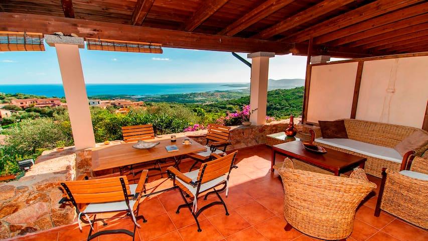 CASA BELLOSGUARDO,house with lovely sea view - Budoni - Apartamento