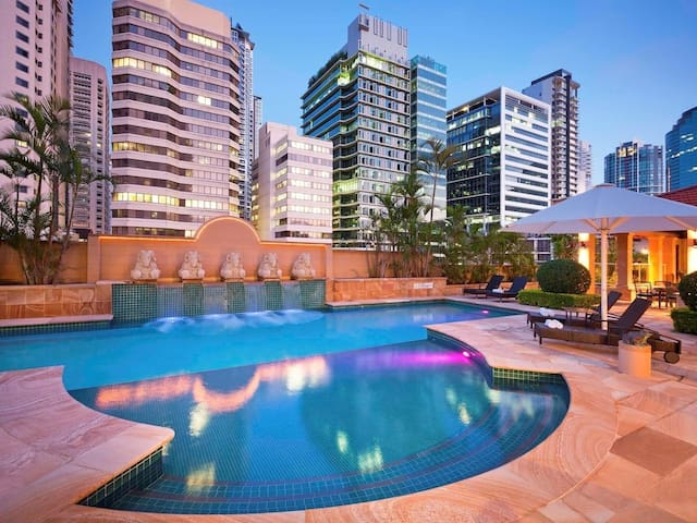 CBD DELUXE*River & Garden Views*Free Parking*WIFI*