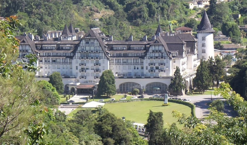 Feel yourself living the History in a palace - Petrópolis - Leilighet