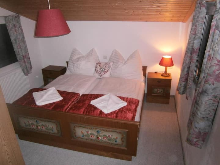 3 Bett Appartment mit Blick auf den See und Berge