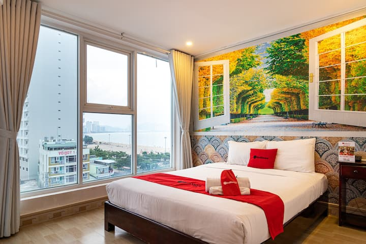 Seaview Room with the big window in Nha Trang