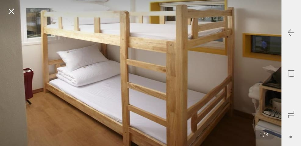 Bunk twin room -  2mins away from Seoul station