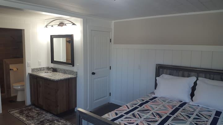 Iris's Place - Newly Renovated, Near Yellowstone