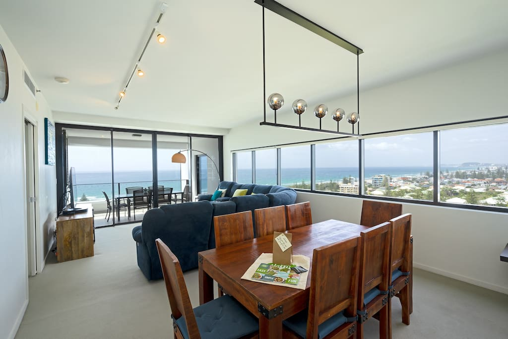 Lounge and Dining area - incredible 270 degree views