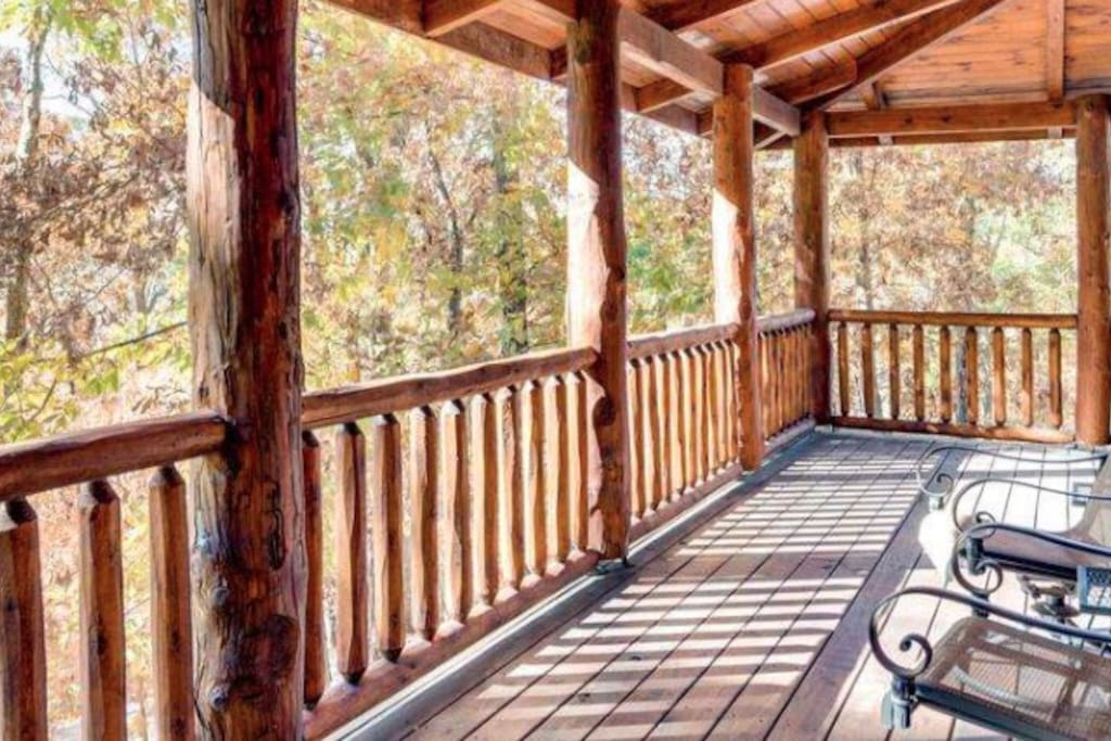 Woods wonder!  Wrap around porch for spectacular wild life views.