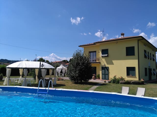La Valinfiore you charming home with private pool - Montecarlo - Villa