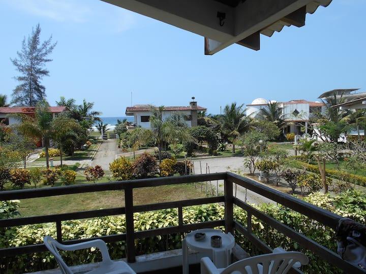 Great 3 br 3 bath house Olon. 100ft to the beach.