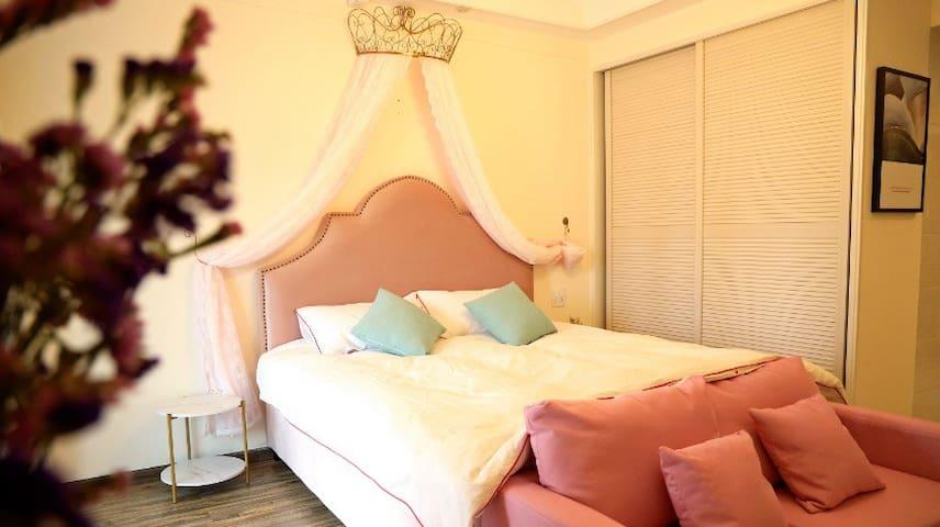 美家全屋智能小米投影大床房