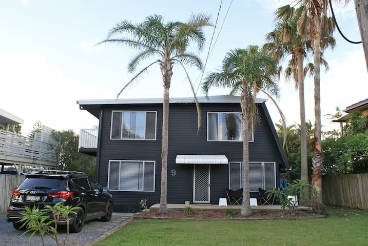 The Palms Beach House - Arrawarra Headland - Hus