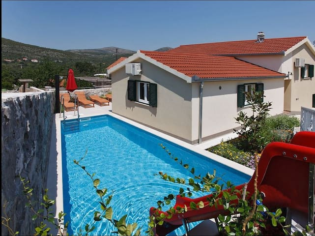Villa Olive with private pool - Pozorac - Villa