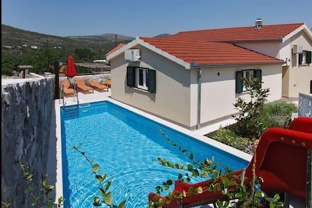Villa Olive with private pool - Pozorac