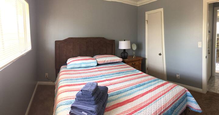 #2 Your private room 2 minute drive to beach