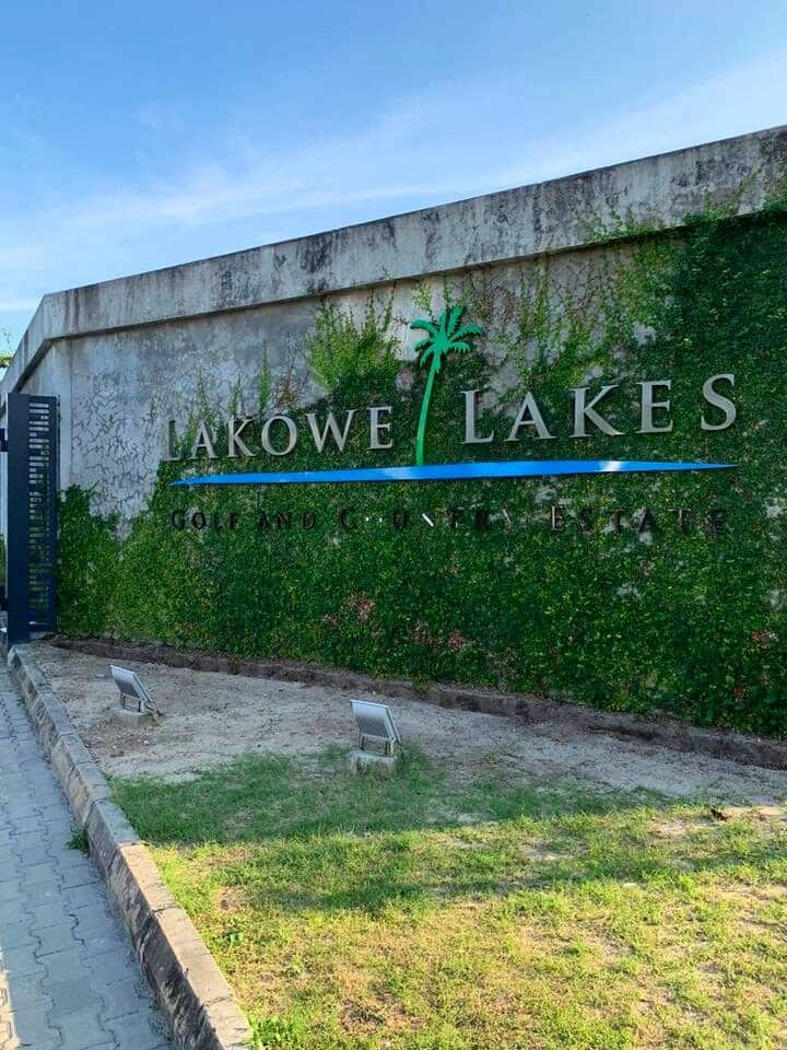 Elegant 2 Bedroom with Lake View at Lakowe Lakes