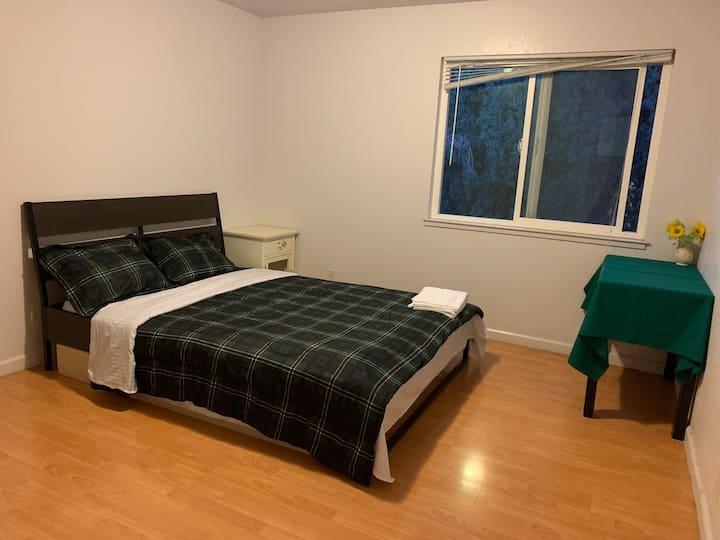 Fremont 独立房间、近特斯拉,近Bart 站,安全舒适生活方便,适合旅游,居家,学习,商务