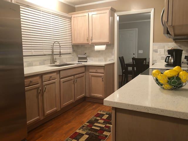 Delightful three bedroom home in Knoxville, TN