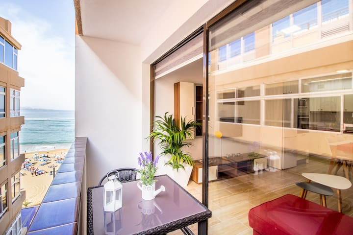 Sunny Beach apartment in Las Palmas city