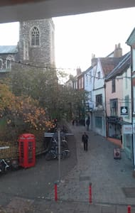 Sunny 1 bed flat in Norwich city historic 'Lanes'. - Norwich