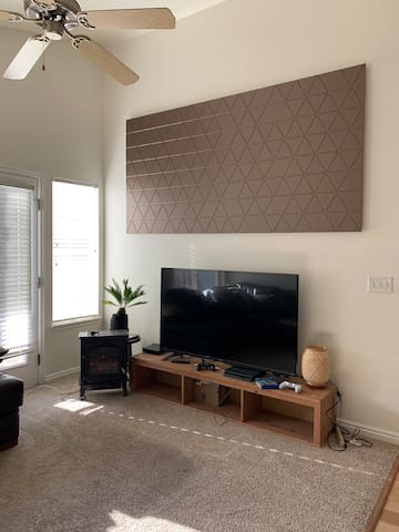 Southeast Provo Mountainside Condo for Male Guest