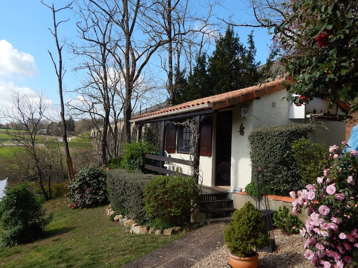 Le Petit Chalet private with stunning views.