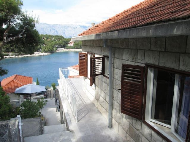 Two bedroom apartment near beach Puntinak, Brač (A-11259-a) - Sumartin - Appartement