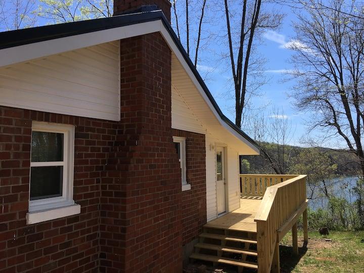 Bugg's Lake House Retreat