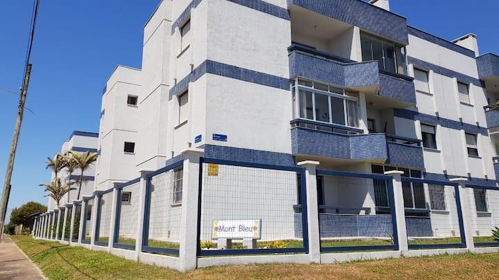 Apartamento em Capão Novo infraestrutura completa