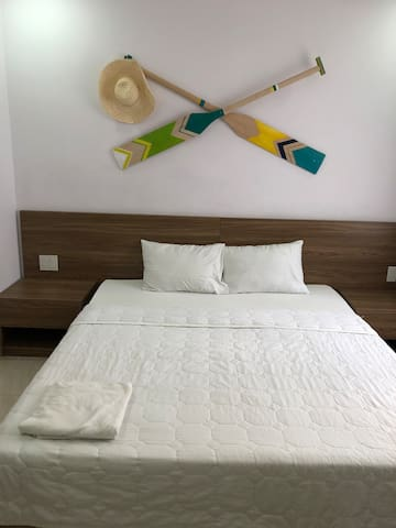 Room: 1 King bed