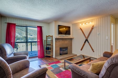 222 Peaks View Court, King Bed, Scenic Views