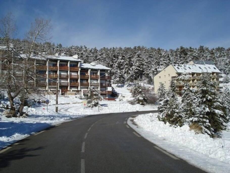 Vue de l'appartement en arrivant sur Greôlières les Neiges