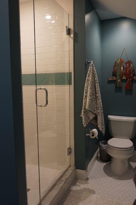 Your 3rd Floor Suite - Private On-suite Bathroom