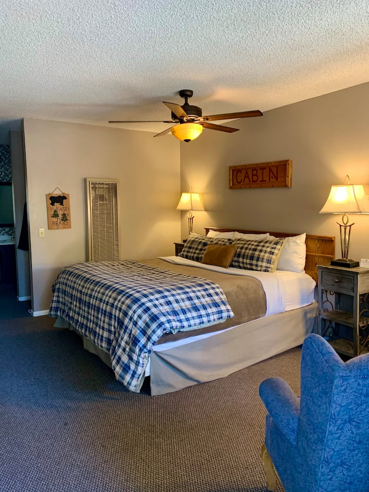 Bear Country Room with King Bed at The Alder Inn