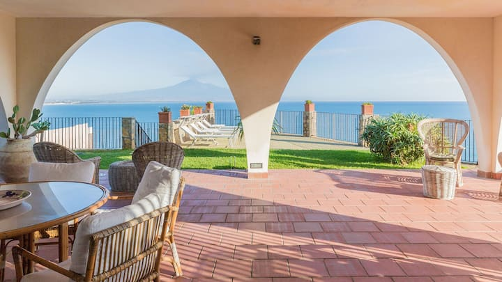 Punta moresca, seafront villa with private pool.