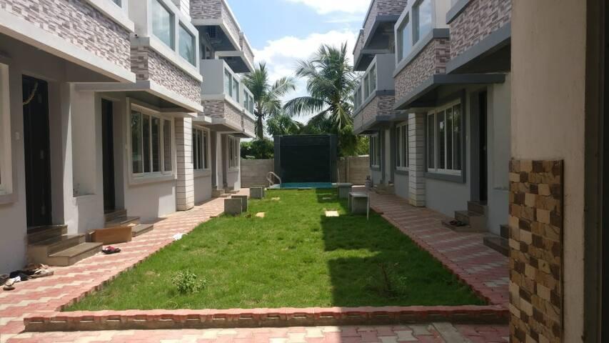 La Villa Beach Paradise