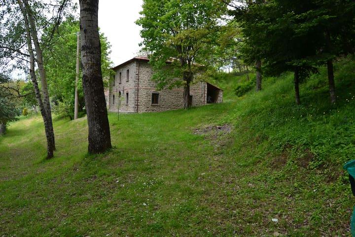 "Casa rurale ""La Valle"" - Chiusi della Verna - Hotel ekologiczny"