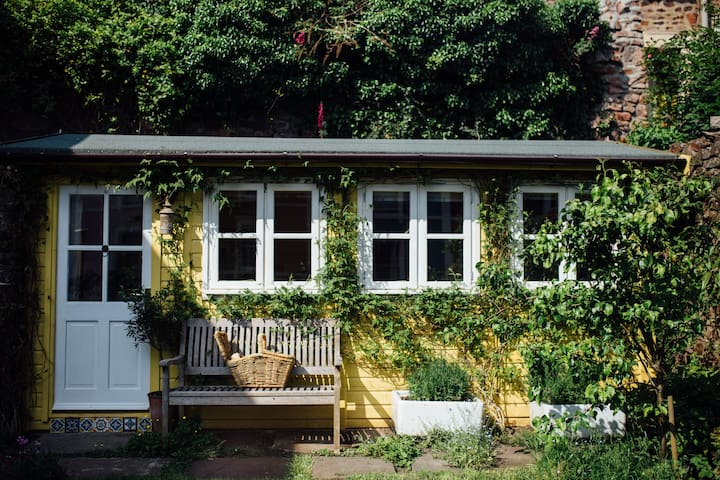 shed and breakfast - hideaway cabin in Cliftonwood - Bristol