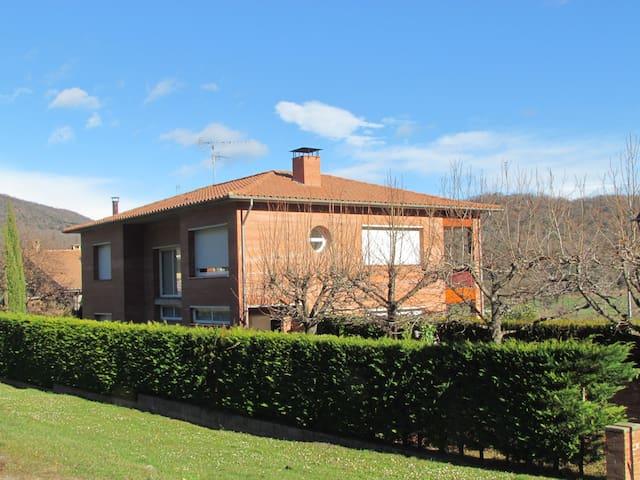Casa gran i (URL HIDDEN) Sant Privat - Sant Privat d'en Bas - Casa