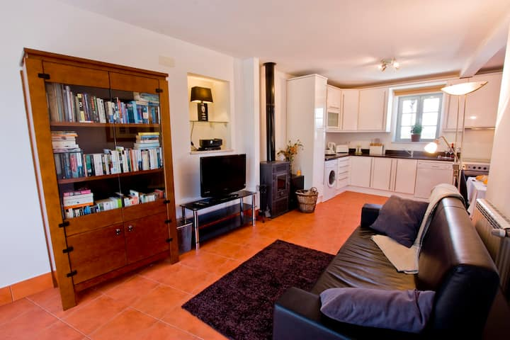 Apartment 3 with stunning views, gardens & pool!
