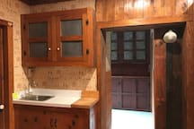 wet bar/washer-dryer
