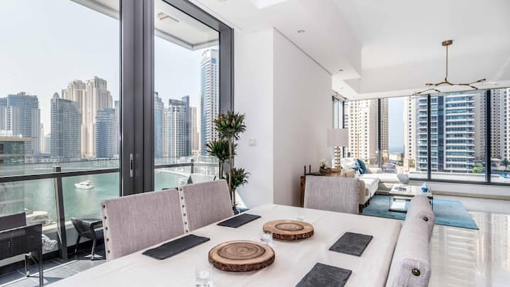 Stunning 2 Bedroom Apartment (Full Marina View)