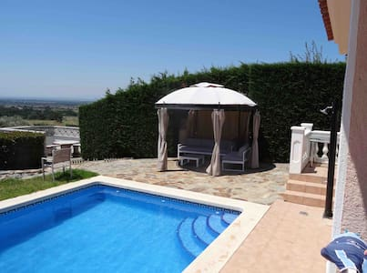 Belle Villa de Charme/Calme/Grande Piscine/Vue Mer