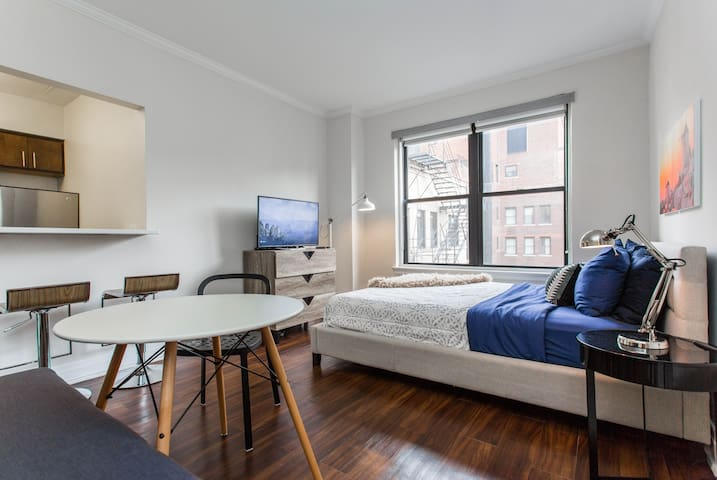 MOVE-IN NOW FANTASTIC LOCATION NETFLIX | WIFI FREE