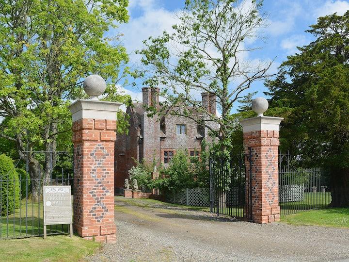 The Gatehouse (UKC770)