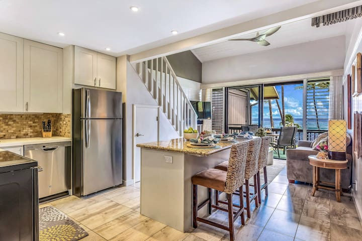 Gorgeous Newly Remodeled Oceanfront, Molokai Views