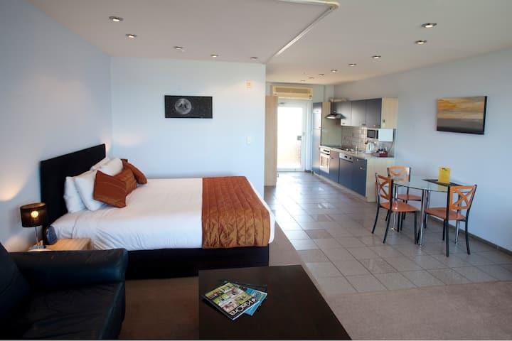Sea View One Bedroom Suite Queen