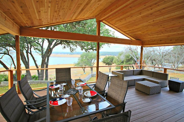 Sunset Vistas- Spacious Waterfront Home, come and relax, sleeps 10!